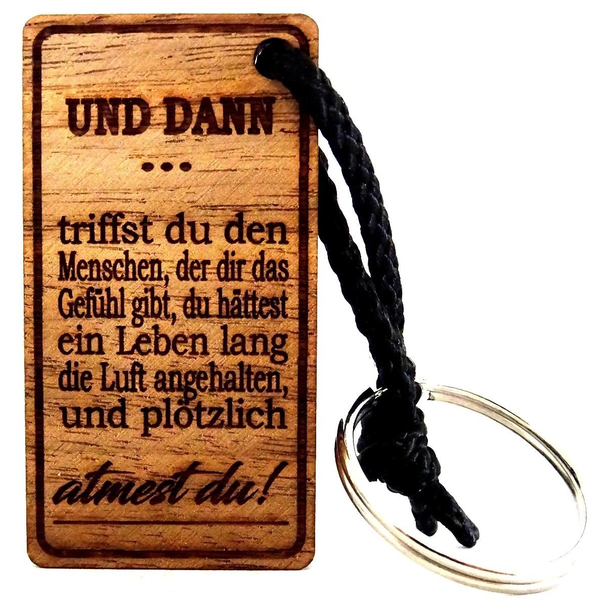 Holzschlüsselanhänger Spruchgravur