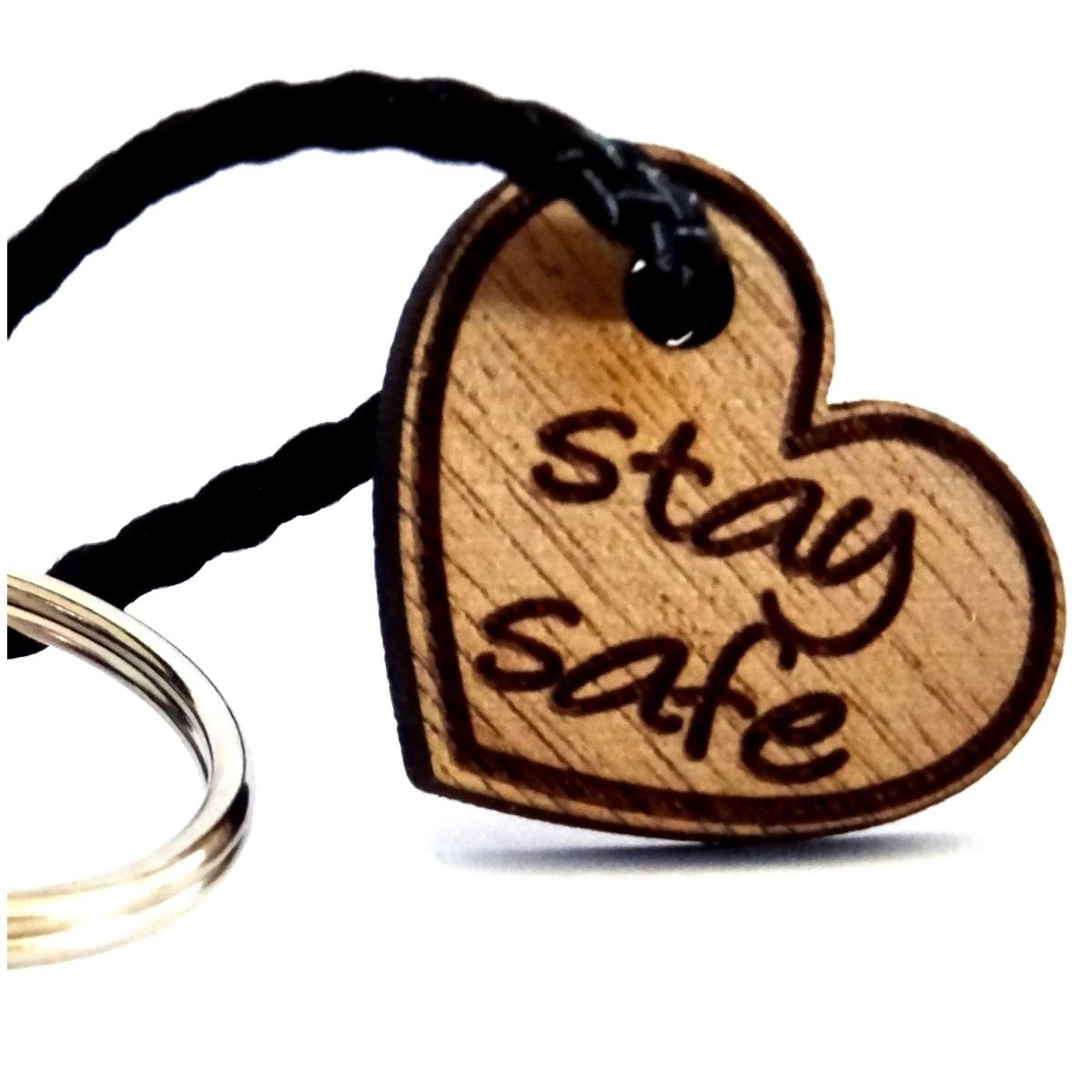 Schlüsselanhänger aus Nussbaum Holz stay safe