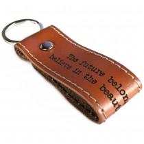 Gravur Leder Schlüsselanhänger 8 cm lang mit Kontrastnaht