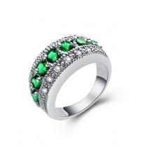 Damenring mit Strassteinen / Ring