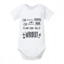 Babybody Modell: Ein bisschen Mama, ein bisschen Papa und ganz viel Wunder!