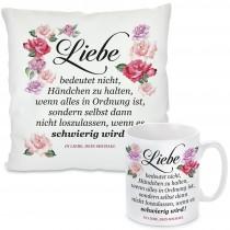 Kissen oder Tasse: Liebe bedeutet... (personalisierbar)