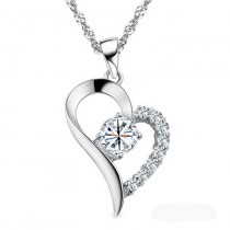 Halskette mit Herz und Strass Steinen