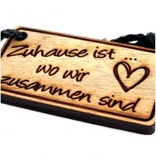 Gravur Schlüsselanhänger aus Holz : Zuhause ist wo wir zusammen sind - Herz
