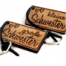 Schlüsselanhänger aus Holz Modell: Geschwisterliebe - Schwestern