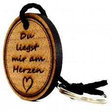 Gravur Schlüsselanhänger aus Holz Modell: Du liegst mir am Herzen
