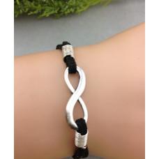 Armband mit Unendlichkeitszeichen